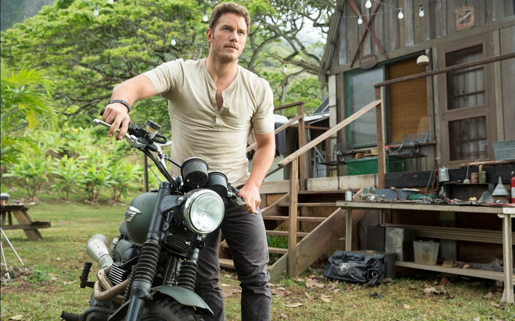 Chris-Pratt-In-Jurassic-World-2015-High-Quality-Wallpapers