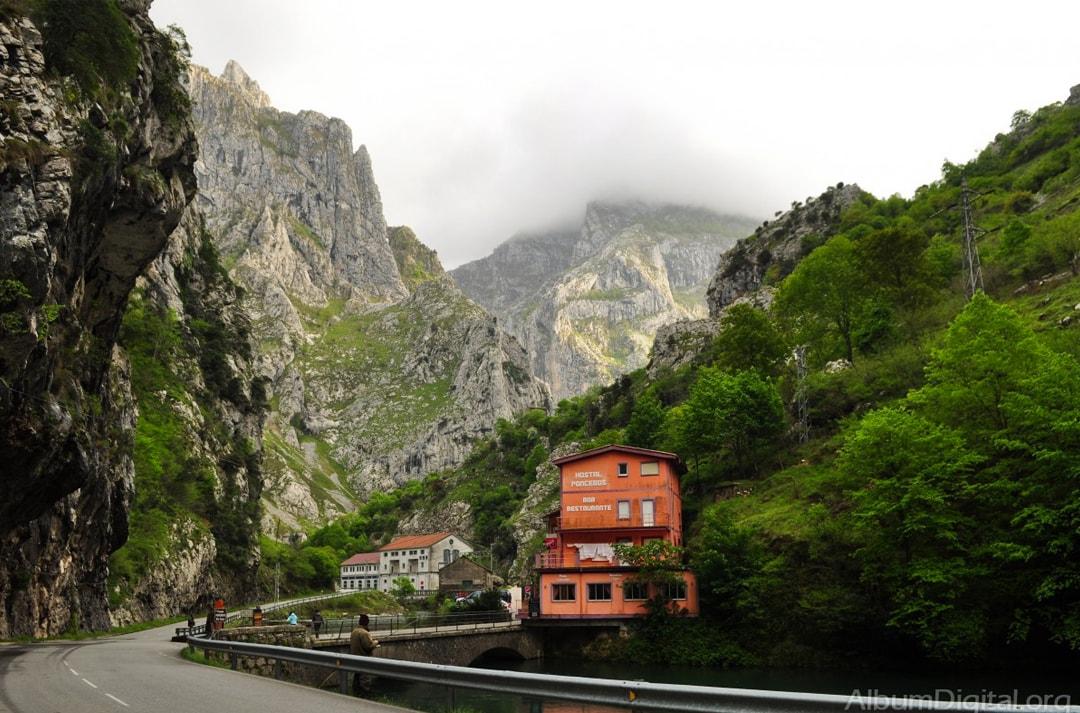 cantabria-picosdeeuropa-min