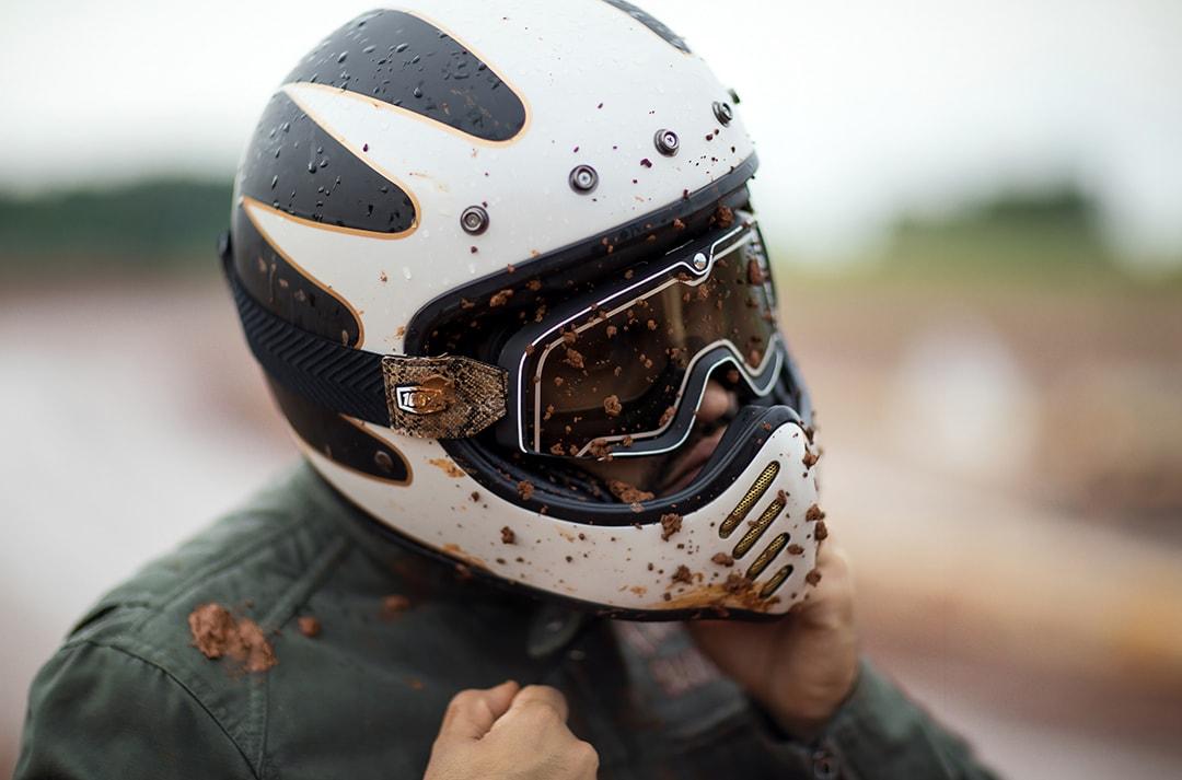 limpiar-casco-moto