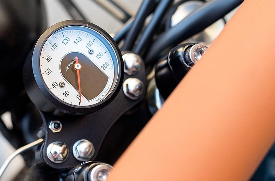motogadget-es-1