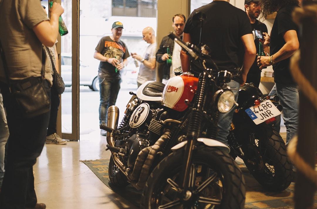 presentacion-moto-triumph-03-min