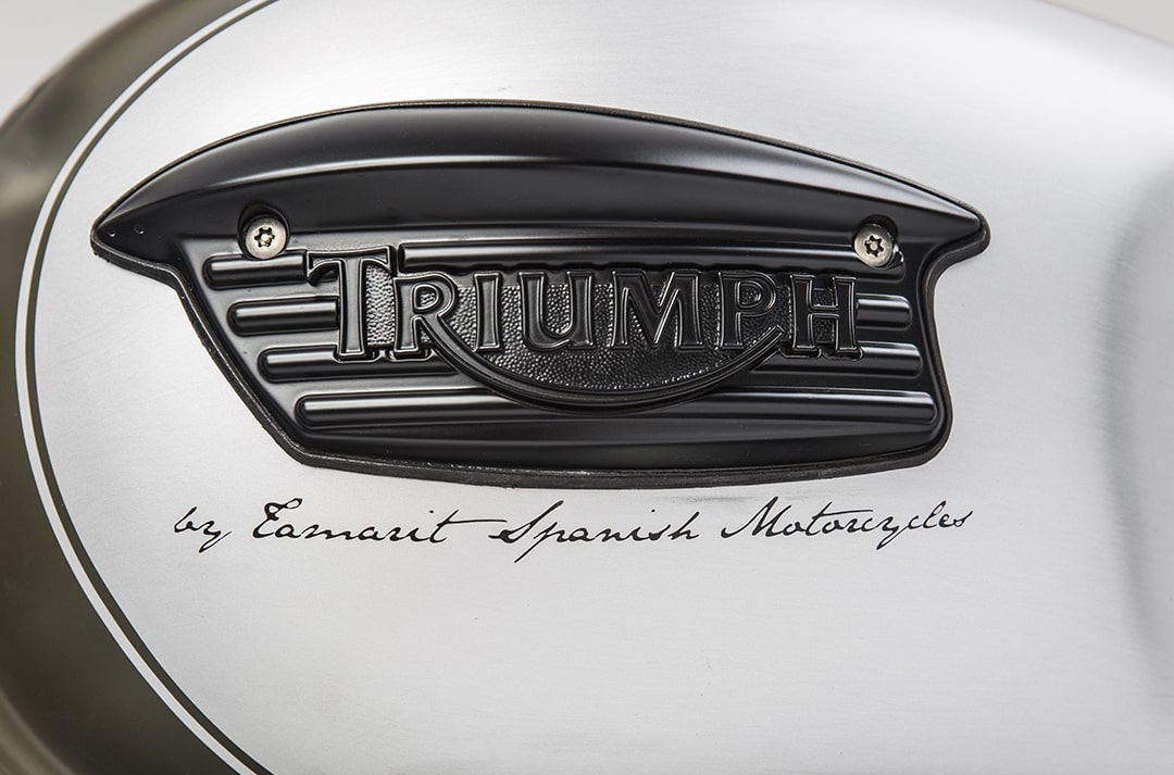 triumph-color-blanco-min