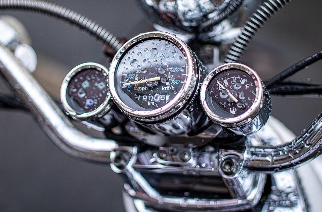 conducir-moto-con-lluvia