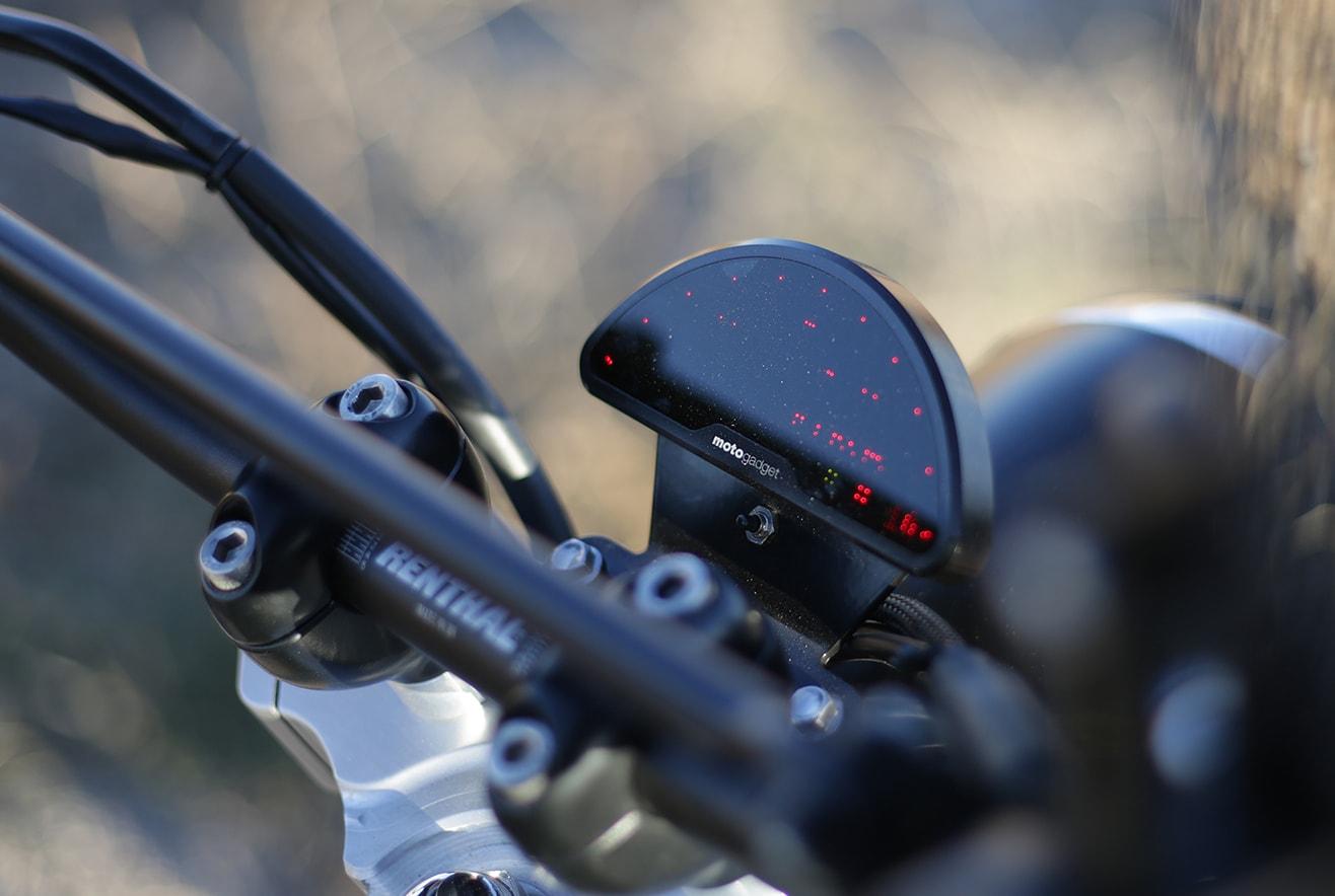 cuentakilometros-bonneville-motogadget-pro-min