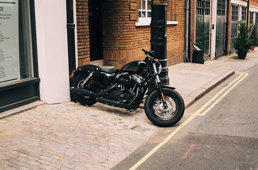donde-se-puede-aparcar-una-moto